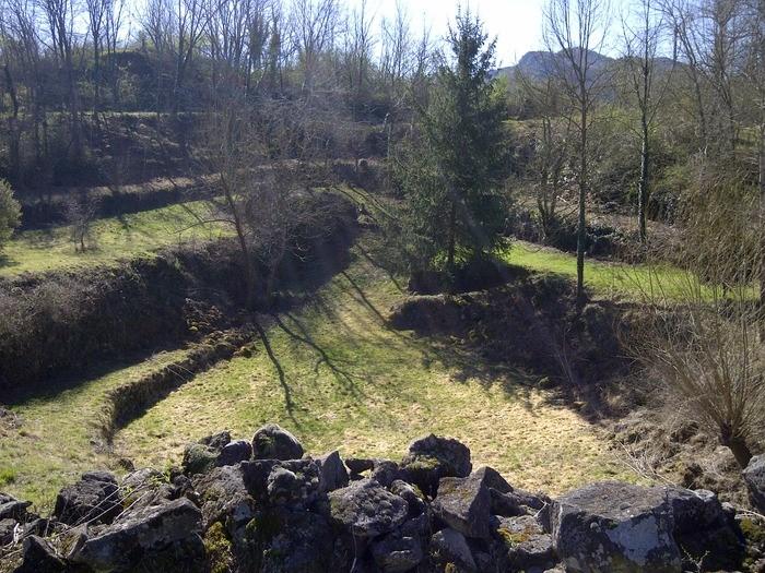 interior del parc de pedra tosca